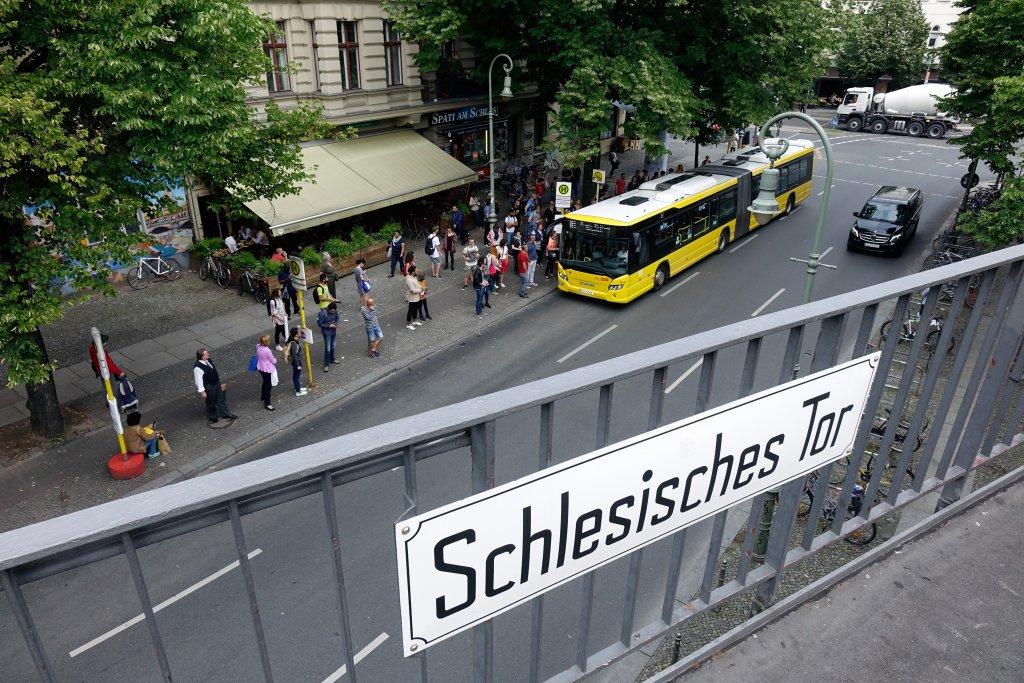 """""""Jede Bushaltestelle ist eine Wundertüte"""""""