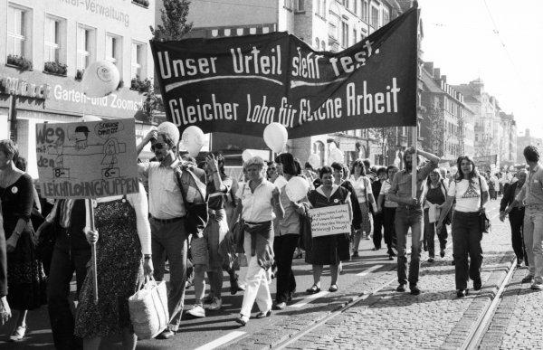 Gleicher Lohn für gleiche Arbeit - Protest am 06.09.81 in Kassel