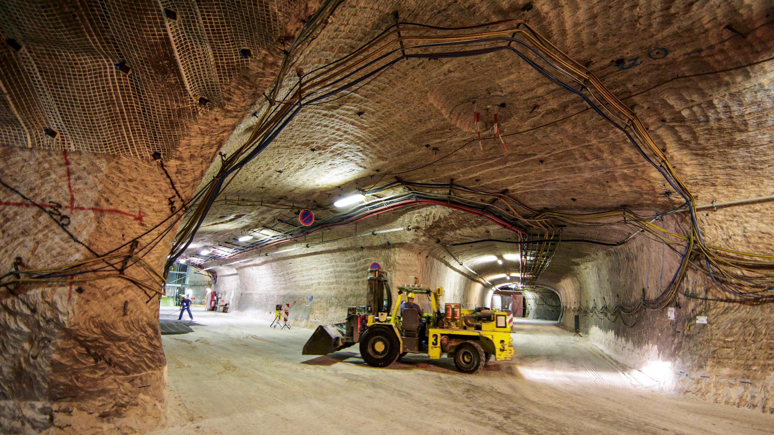 FEHLINVESTITIONGut zwei Milliarden Euro wurden bislang in das Erkundungsbergwerk Gorleben investiert. Experten halten den Salzstock als Atommülllager für ungeeignet