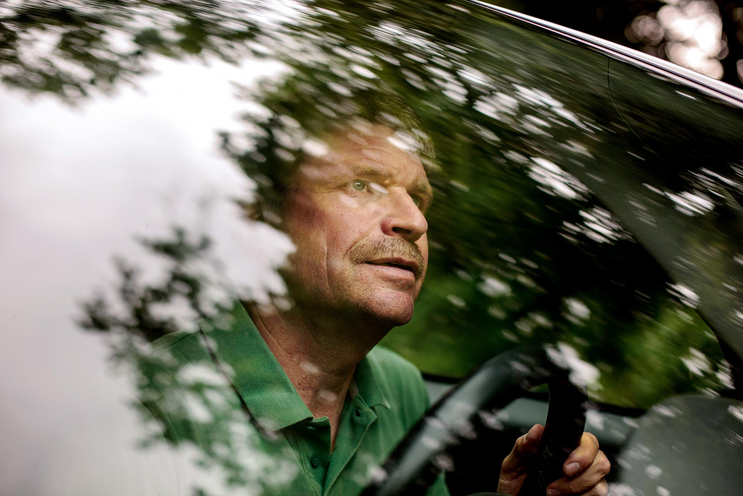 <p>WALDBÜRGER<br /> Jürgen Bucher, Revierförster der Gemeinde Ebringen, setzt in seinem Wald auf Vielfalt. Als Entwicklungshelfer in Südamerika hat er Urwälder lieben gelernt</p>