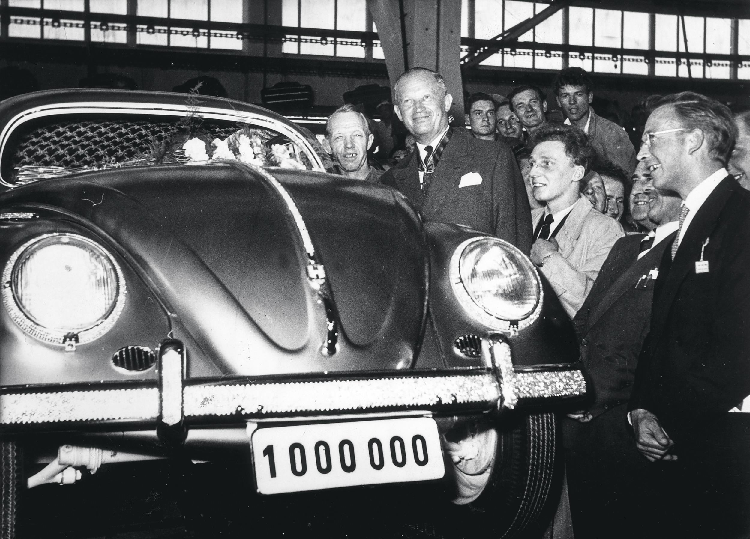 """MILLIONENSPIEL Der millionste produzierte Käfer gilt als einer der größten """"Wirsind wiederwer""""-Momenteder deutschen Nachkriegsgeschichte"""