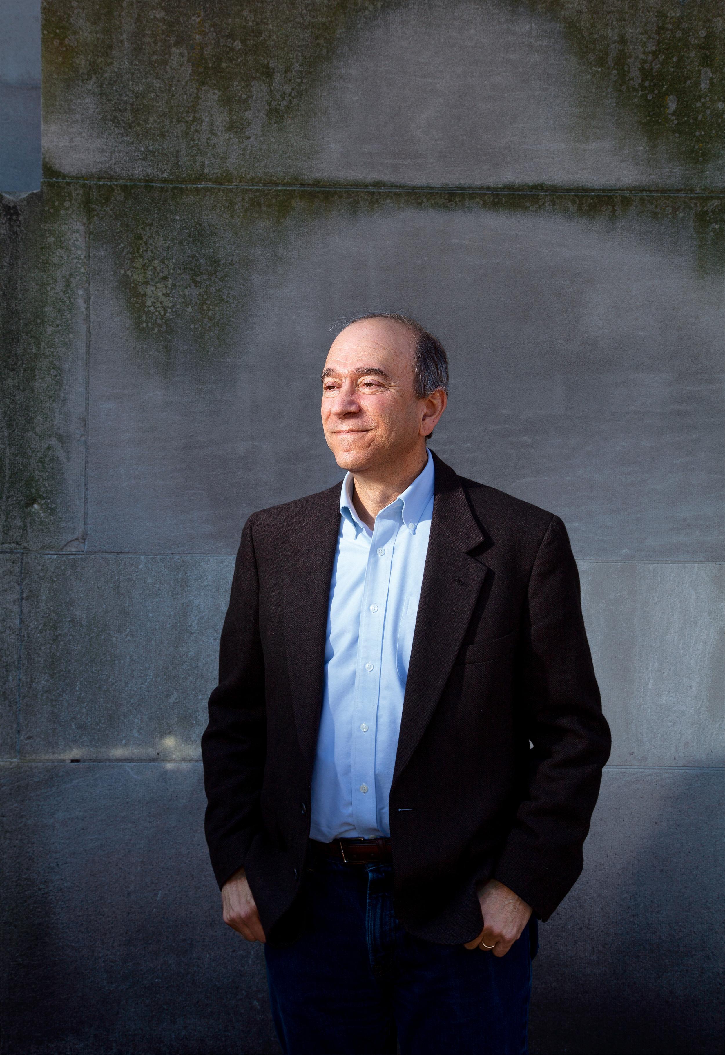 """<p class=""""text-align-right"""">ANWALT<br /> Harvard-Professor Richard Lazarusist einer der wichtigsten juristischen Experten zum Umweltrecht. Er setzt darauf, dass sich die meisten umweltfeindlichen Maßnahmen der Trump-Regierung unter einem neuen Präsidenten wieder rückgängig machen lassen</p>"""