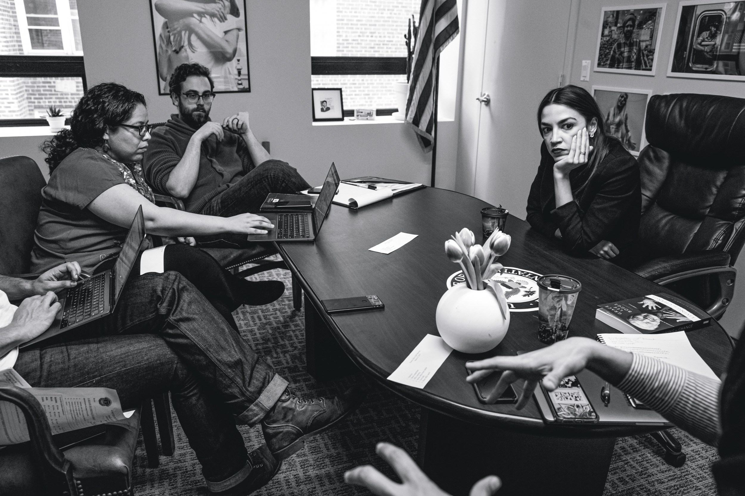 HOFFNUNGSTRÄGERIN Supersmart, charismatisch und eine der fleißigsten Abgeordneten in Washington: Viele junge Demokraten hoffen, dass die 32-jährige Alexandria Ocasio-Cortez 2024 Präsidentin wird