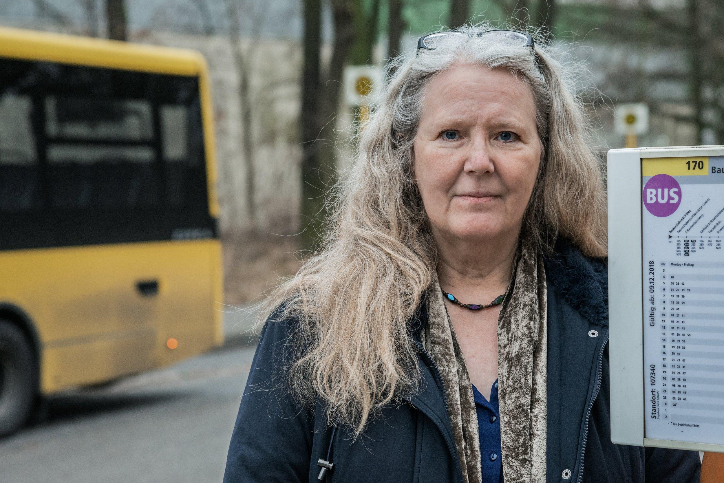 <p>Susanne Schmidt hatte schon als Drehbuchautorin, Stadtführerin und Erzieherin gearbeitet, als sie mit Mitte 50 nochmal umsattelte – zur Busfahrerin</p>