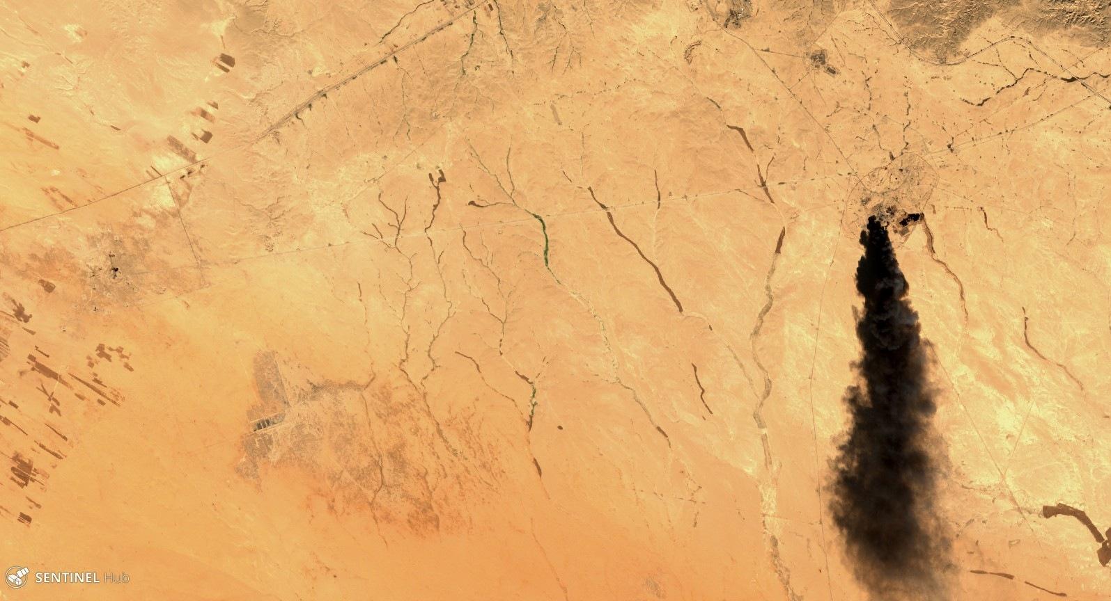 Satellitenbild von brennenden Ölfeldern in Syrien. So verschaffen sich Organisationen wie Pax einen Überblick vom Ausmaß der Zerstörung.