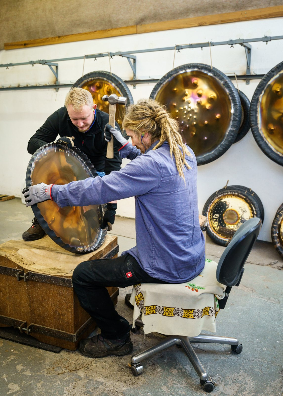 <p>Die Gongwerkstatt in Klein Jasedow - die Zugezogenen schafften Arbeitsplätze für rund 40 Menschen aus der Umgebung</p>