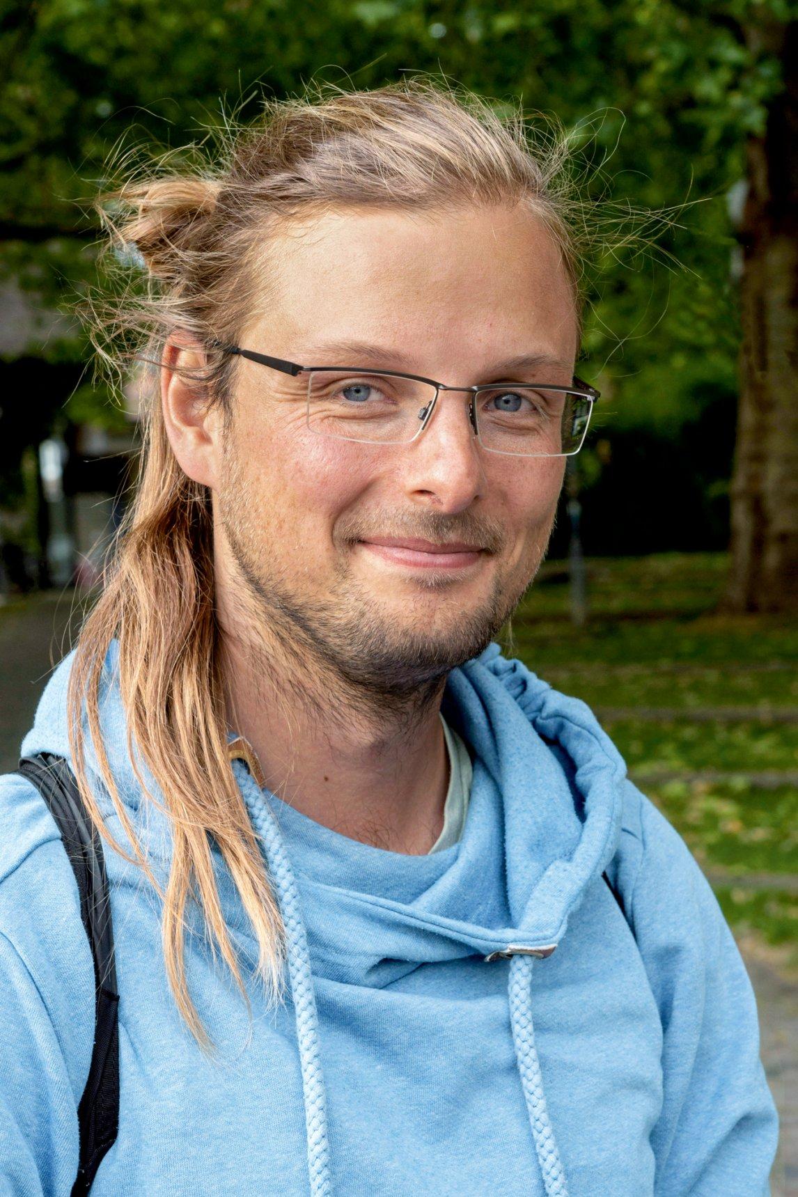 <p>GUERILLABOTANIKER<br /> Bei Fionn Pape liegt die Naturliebe in der Familie,seine Eltern haben in Göttingen die Partei der Grünen mitgegründet</p>